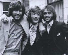 Barry Gibb Signed Autographed 8x10 Photo The Bee Gees A