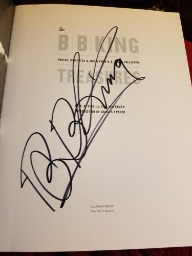 B.b. Bb King Signed Autographed Hardcover Book Treasures In Person Nyc Rare!!!