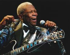 BB King Autographed Concert 8x10 Photo