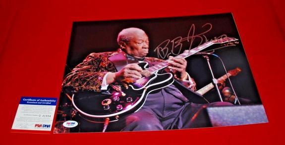 BB KING Blues Legend autographed signed PSA/DNA 11X14 photo COA