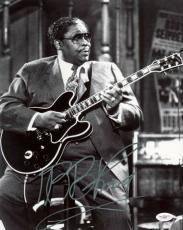B.B. King Blues Legend Signed 11X14 Photo Autographed JSA #E46604