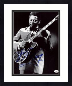 B.B. King Blues Legend Signed 11X14 Photo Autographed JSA #E46607
