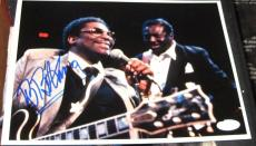B.B. King King Of Blues Legendary Guitarist SIGNED 8x10 Photo JSA Autographed