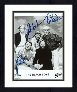 BEACH BOYS HAND SIGNED 8x10 GROUP PHOTO     MIKE LOVE+AL JARDINE+JOHNSTON    JSA