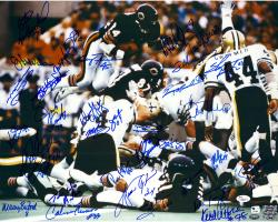 "1985 Chicago Bears Team Signed 16"" x 20"" Over Line Photograph with 31 Signatures"