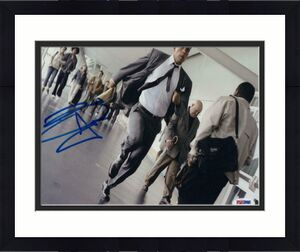 BEN AFFLECK SIGNED AUTOGRAPH 8x10 PHOTO - FULL SIGNATURE, BATMAN, DOGMA ARGO PSA