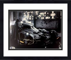 BEN AFFLECK Signed BATMAN in BATMAN V SUPERMAN 8x10 BAS Beckett COA Autograph E
