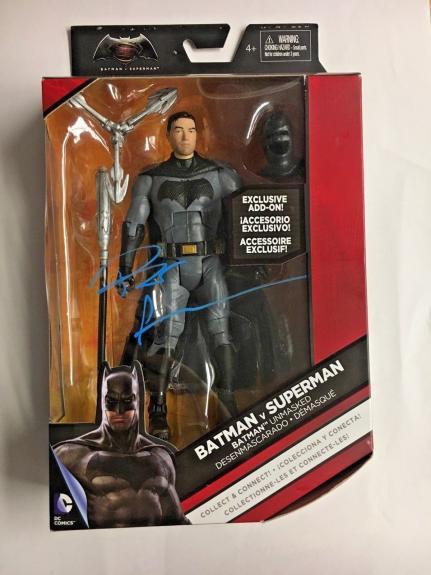 BEN AFFLECK Signed BATMAN V SUPERMAN EXCLUSIVE DC MULTIVERSE BAS COA AUTO D
