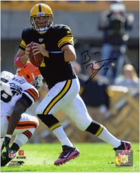 Ben Roethlisberger Pittsburgh Steelers Autographed 8'' x 10'' vs. Cleveland Browns Photograph - Mounted Memories