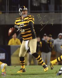 "Ben Roethlisberger Pittsburgh Steelers Autographed 8"" x 10"" Throwback Jersey Throwing Photograph"