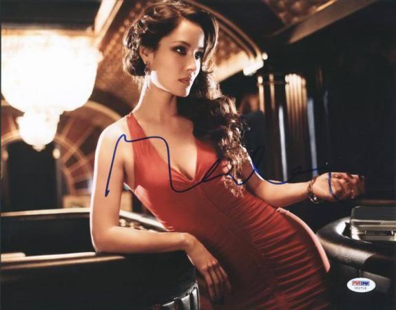 Berenice Marlohe Skyfall Sexy Signed 11X14 Photo PSA/DNA #U52718
