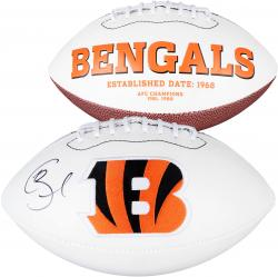 Giovani Bernard Cincinnati Bengals Autographed White Panel Football - Mounted Memories