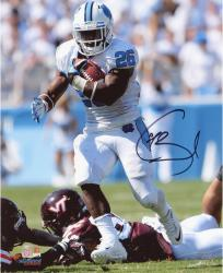 Giovani Bernard North Carolina Tar Heels Autographed 8'' x 10'' Vertical White Uniform Photograph - Mounted Memories