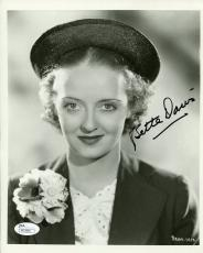 BETTE DAVIS HAND SIGNED 8x10 PHOTO      VERY RARE      INCREDIBLE POSE      JSA