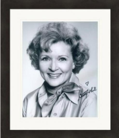 Betty White autographed 8x10 photo (The Golden Girls, Rose Nylund) #13 Matted & Framed