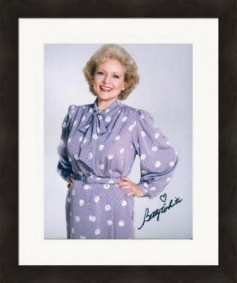 Betty White autographed 8x10 photo (The Golden Girls Rose Nylund) Image #SC5 Matted & Framed