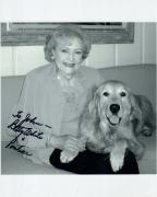 BETTY WHITE HAND SIGNED 8x10 PHOTO+COA     CUTE POSE WITH HER DOG    TO JOHN