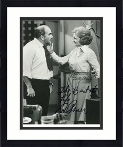 BETTY WHITE+ED ASNER HAND SIGNED 8x10 PHOTO      MARY TYLER MOORE SHOW      JSA