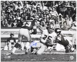 Fred Biletnikoff Oakland Raiders Autographed 16'' x 20'' B&W Action Photograph