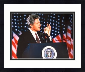 Bill Clinton (42nd President) 11x14 Signed Photo JSA Z07673