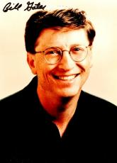 Bill Gates Signed - Autographed Microsoft co-founder - Computer Pioneer 5x7 inch Photo - Guaranteed to pass JSA or Beckett