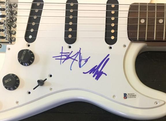 Blink 182 Mark & Travis Signed Autograph Rare Full Size Electric Guitar Beckett