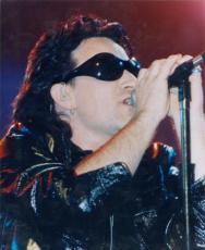 Bono 8x10 photo (U2) Image #1