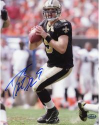 Drew Brees New Orleans Saints Autographed 8'' x 10'' Throwing Stance Photograph
