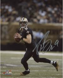 Drew Brees New Orleans Saints Autographed 8'' x 10'' Scramble Photograph - Mounted Memories