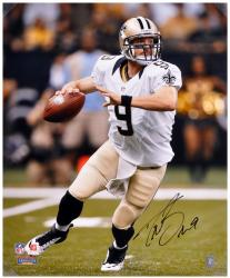 Drew Brees New Orleans Saints Autographed 16'' x 20'' Look To Pass Photograph - Mounted Memories