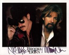 BROOKS+DUNN HAND SIGNED 8x10 COLOR PHOTO+COA        SIGNED BY BOTH COUNTRY STARS