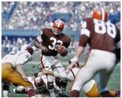 Jim Brown Cleveland Browns Autographed 16'' x 20'' vs Washington Redskins Photograph - Mounted Memories