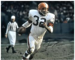 Jim Brown Cleveland Browns Autographed 16'' x 20'' Running With Ball Photograph - Mounted Memories