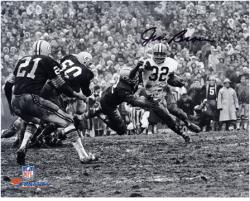 Jim Brown Cleveland Browns Autographed 8'' x 10'' Horizontal in Mud Photograph - Mounted Memories