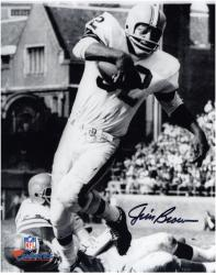 Jim Brown Cleveland Browns Autographed 8'' x 10'' Vertical in White Photograph - Mounted Memories