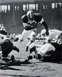 Jim Brown Cleveland Browns Autographed 16'' x 20'' Vertical Touchdown Dive Photograph - Mounted Memories