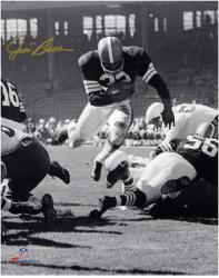 Jim Brown Cleveland Browns Autographed 8'' x 10'' Vertical Touchdown Dive Photograph - Mounted Memories