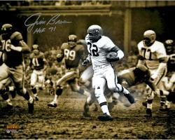 Jim Brown Cleveland Browns Autographed 16'' x 20'' Spotlight Photograph with HOF 71 Inscription