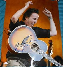 Bruce Springsteen Signed Autograph Famous Pose Guitar 16x20 Photo Psa/dna V14265