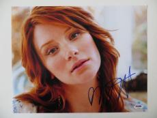 Bryce Dallas Howard Signed Terminator Twilight 11x14 Photo (PSA/DNA) #T32683
