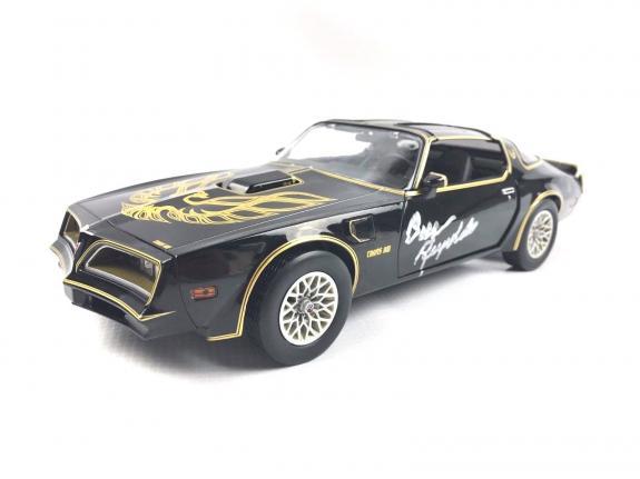 Burt Reynolds Autograph 1977 Pontiac Firebird Smokey and the Bandit 1:18 Signed