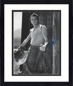 "BURT REYNOLDS - Notable Roles Included ""SMOKEY and the BANDIT"", ""DELIVERANCE"" and ""THE LONGEST YARD"" Signed 8x10 B/W Photo"