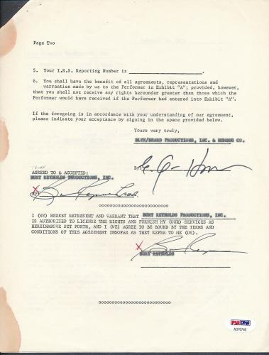 Burt Reynolds Signed Contract Autograph Auto PSA/DNA AD70746