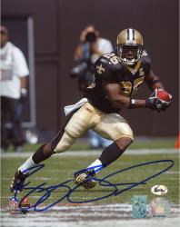 BUSH, REGGIE AUTO (SAINTS/BLACK JERSEY/SOLO) 8X10 PHOTO - Mounted Memories