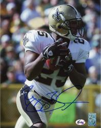 BUSH, REGGIE AUTO (SAINTS/CLOSE UP/BALL IN HAND) 8X10 PHOTO - Mounted Memories