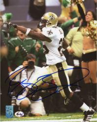 BUSH, REGGIE AUTO (SAINTS/POINTING) 8X10 PHOTO - Mounted Memories