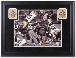 Reggie Bush New Orleans Saints Deluxe Framed Autographed 16'' x 20'' Photograph - Mounted Memories