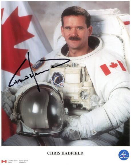 CANADIAN ASTRONAUTS LOT OF 5 HAND SIGNED 8x10 COLOR PHOTOS+COA    CHRIS HADFIELD