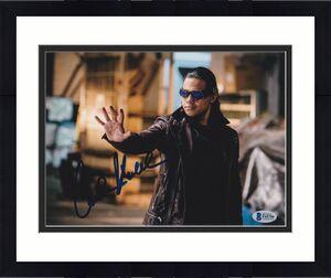 Carlos Valdes Signed 8x10 Photo The Flash Beckett Bas Autograph Auto Coa C