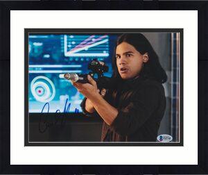 Carlos Valdes Signed 8x10 Photo The Flash Beckett Bas Autograph Auto Coa E